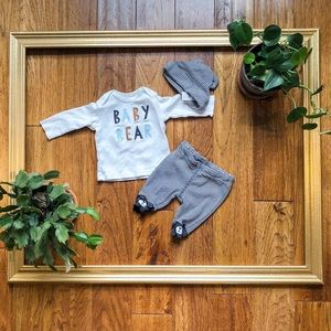 Carters newborn three piece set